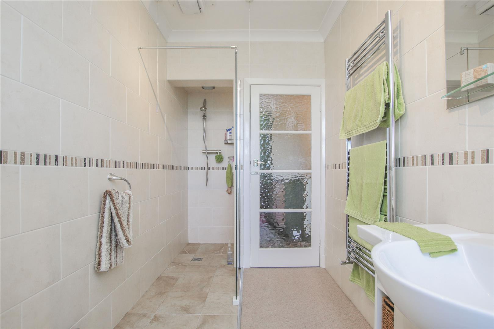 3 Bedroom End Terrace House For Sale - 13.JPG